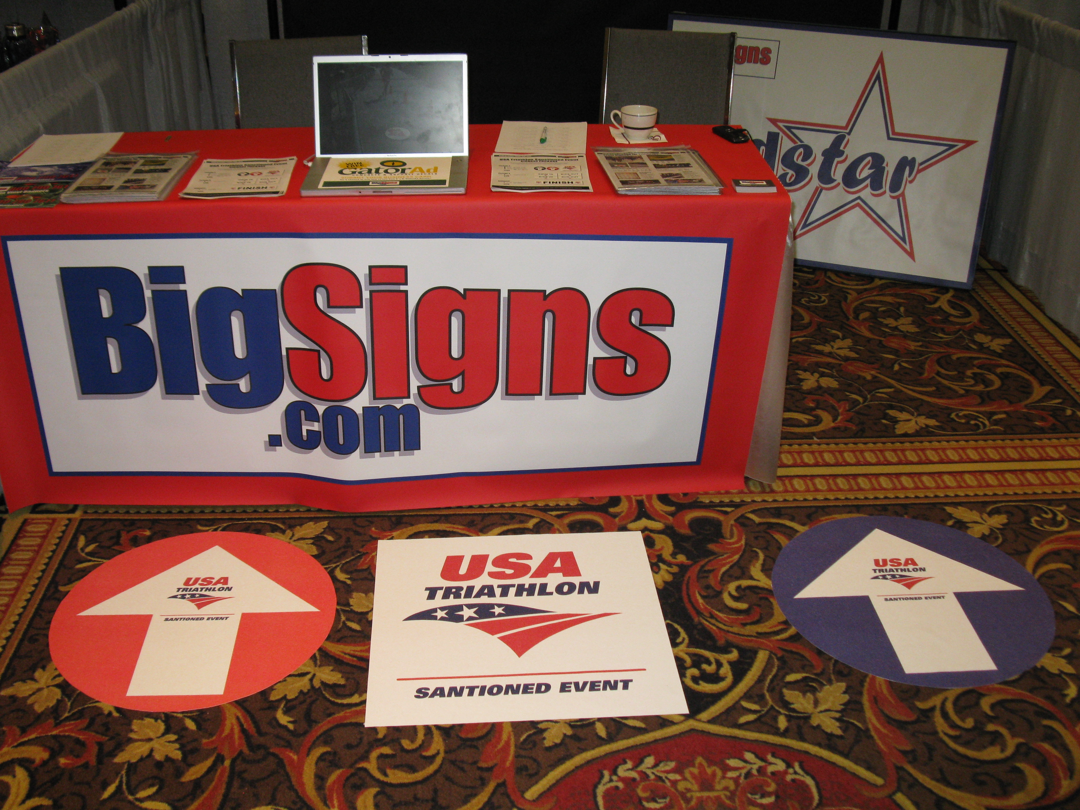Table Runners Amp Table Drapes Bigsigns Com